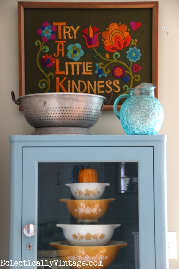 Vintage style - love the Pyrex mixing bowls and the embroidered art kellyelko.com #EclecticallyFall