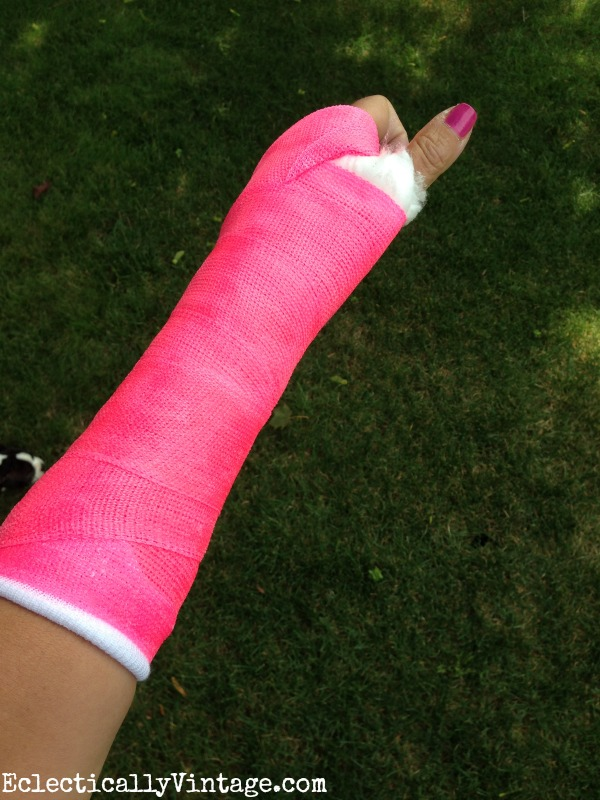 Hot pink cast! kellyelko.com