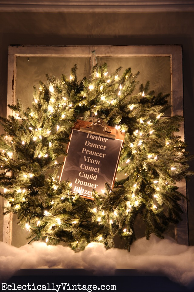 Christmas Wreath Decorating Ideas - see this wreath styled 3 ways - love the clipboard with FREE Printable! kellyelko.com