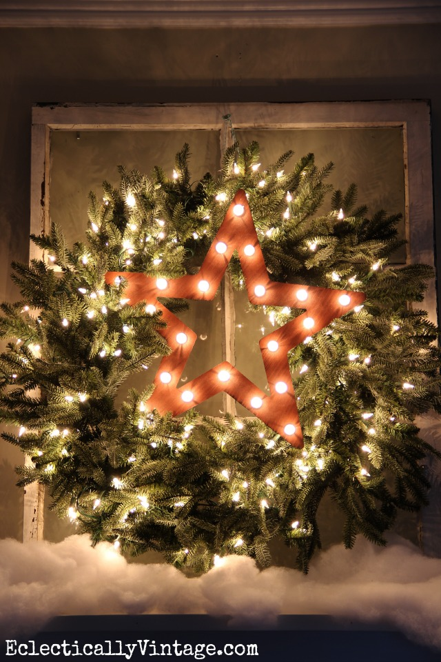 Christmas Wreath Decorating Ideas - see this wreath styled 3 ways - love the star marquee! kellyelko.com