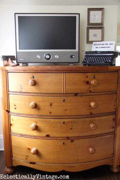 Crosley Modern TV with Retro Style! eclecticallyvintage.com