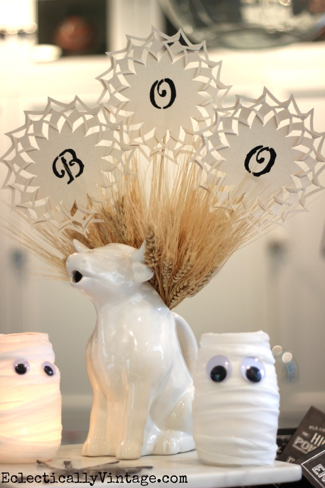 Make these fun BOO Halloween pinwheels! kellyelko.com