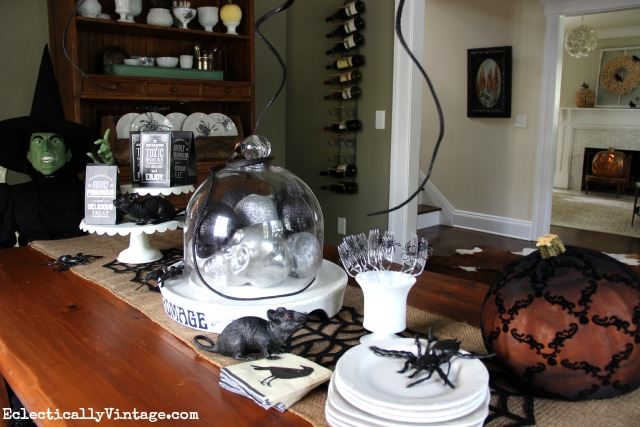 Set the scene for your Halloween party with these table decorating ideas kellyelko.com