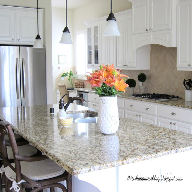 Beautiful white kitchen kellyelko.com