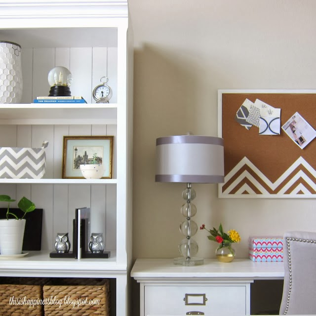 Love this home office and that chevron bulletin board kellyelko.com