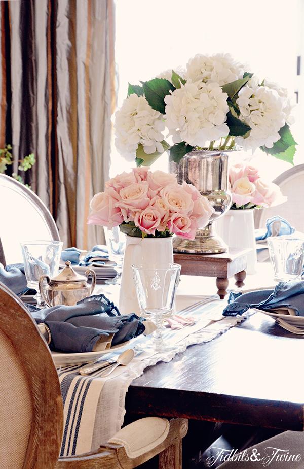Gorgeous summer table centerpiece kellyelko.com