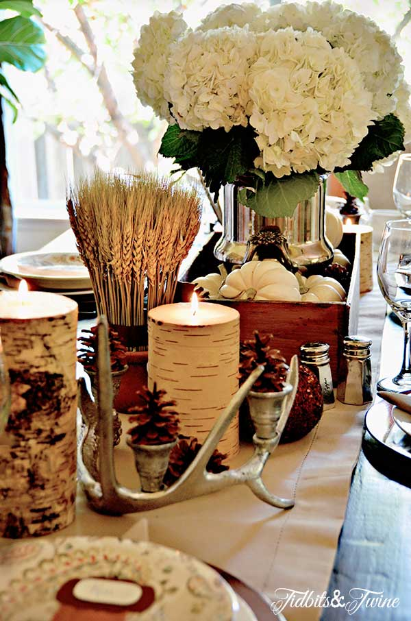 Festive fall centerpiece - perfect for Thanksgiving kellyelko.com