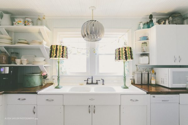 Eclectic Home Tour of The Strawberry Patch small southern cottage with flea market style kellyelko.com