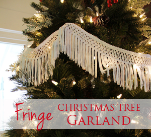 Use fringe to trim the Christmas tree