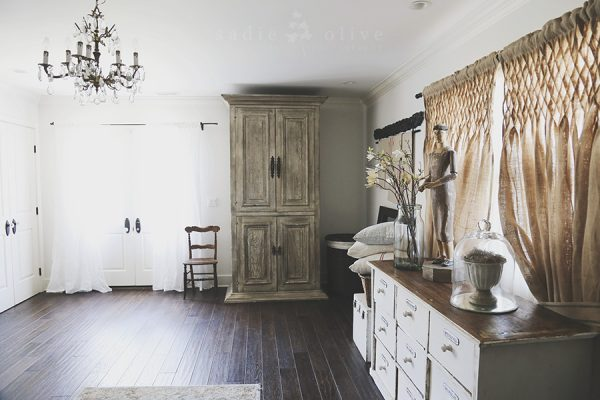 Love this neutral farmhouse master bedroom and the smocked burlap curtains kellyelko.com