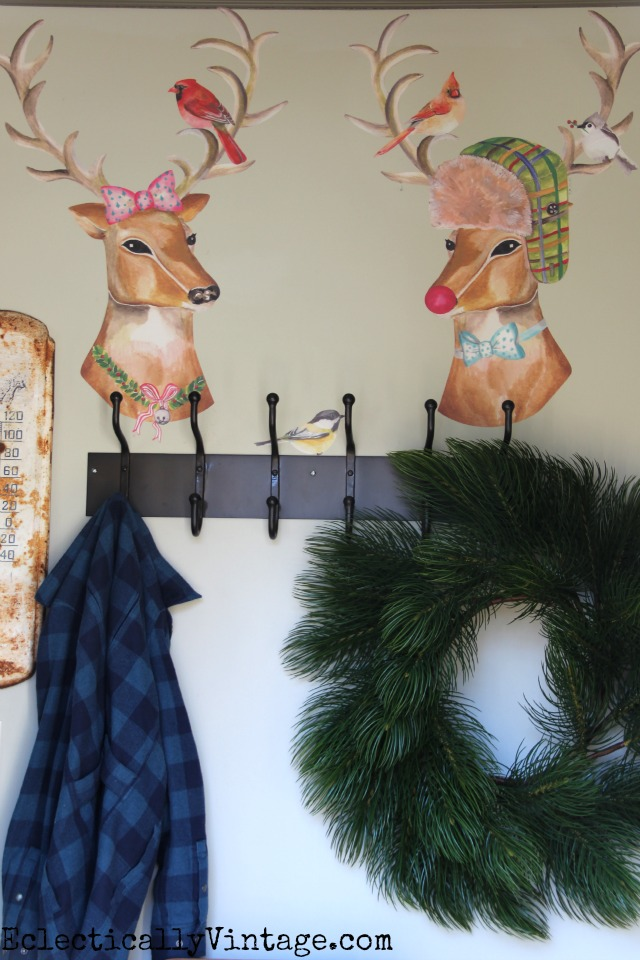 Love these reindeer decals for Christmas decorating! kellyelko.com