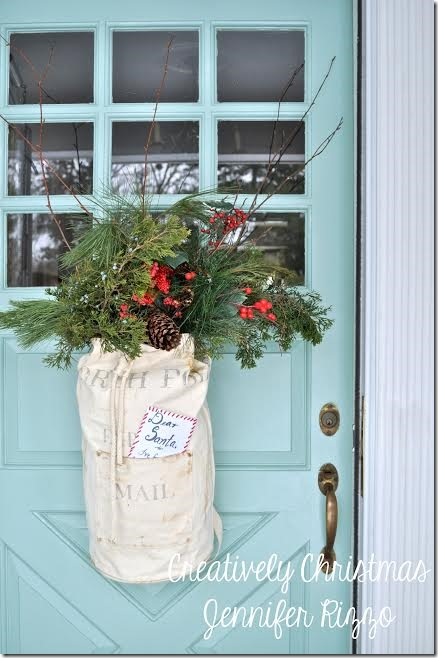 Make this cute Santa Sack and use in place of a traditional wreath kellyelko.com