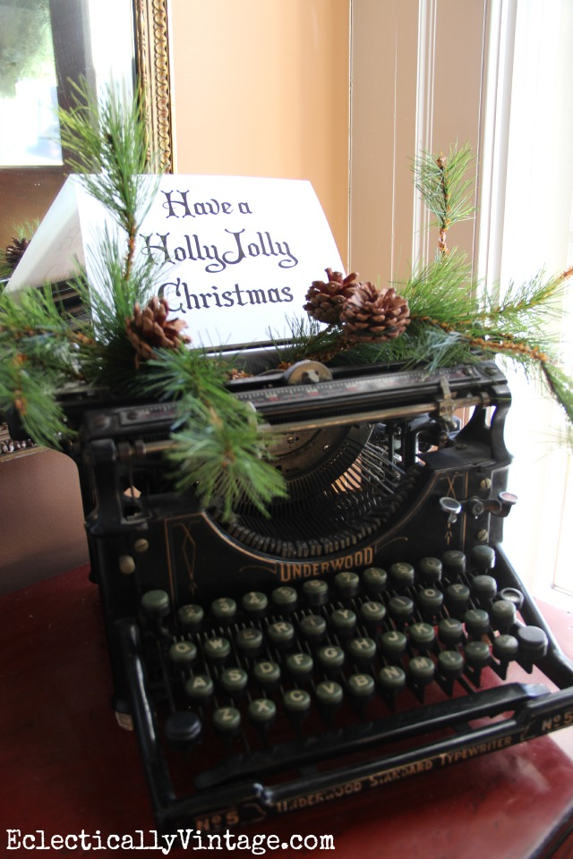 Have a Holly Jolly Christmas - vintage Underwood typewriter is a fun way to decorate kellyelko.com