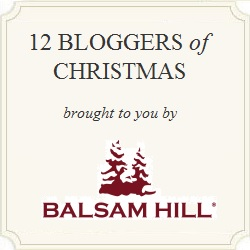 12 Bloggers of Christmas - see 12 gorgeous Christmas trees decked out kellyelko.com
