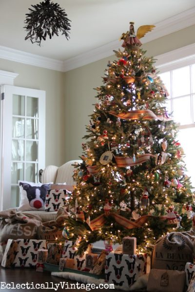 Beautiful Lifelike Christmas Tree eclecticallyvintage.com