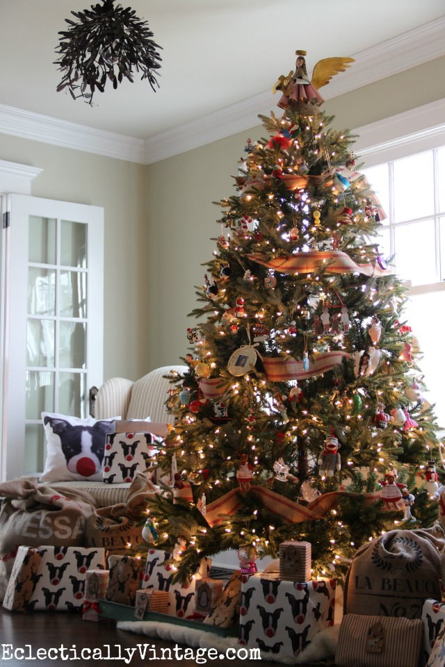 This Fraser Fir Christmas tree from Balsam Hill looks so life like!  kellyelko.com - Balsam Hill Fraser Fir - A Life LIke Artificial Tree