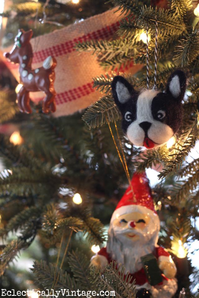 Such a cute Boston Terrier Christmas ornament kellyelko.com