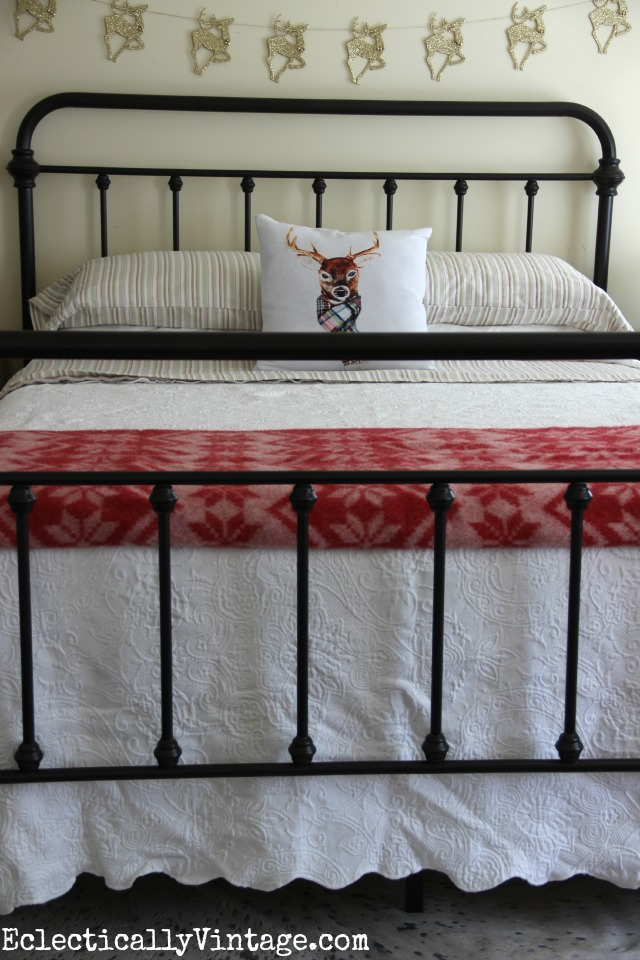 Love this bed - it's got the look of an antique! kellyelko.com