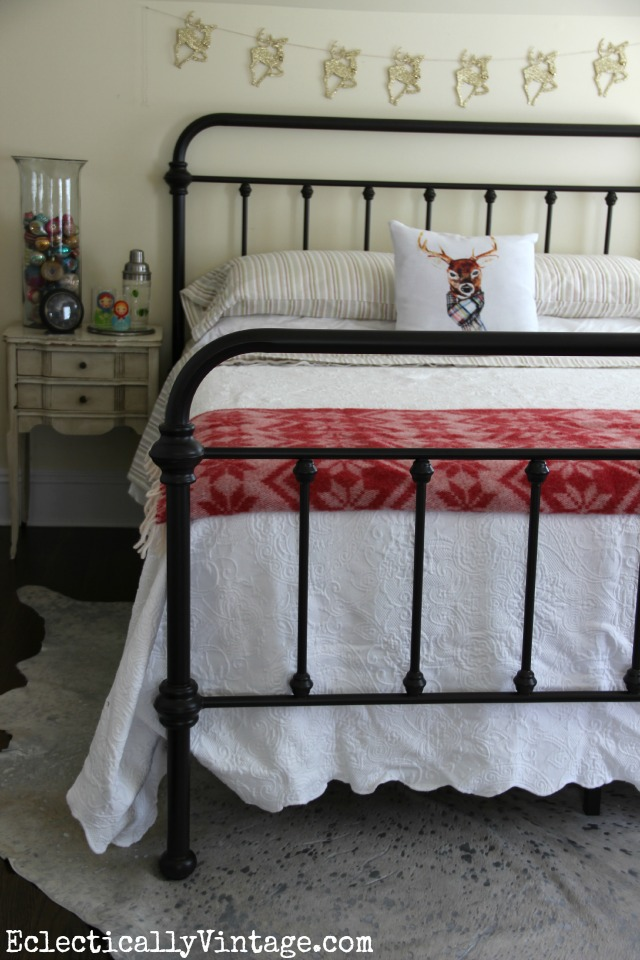 Vintage style iron bed can mix with any design style kellyelko.com