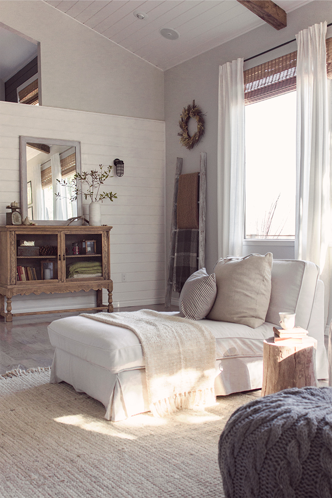 This home tour is amazing - DIY plank walls, tons of light, amazing decor ... eclecticallyvintage.com