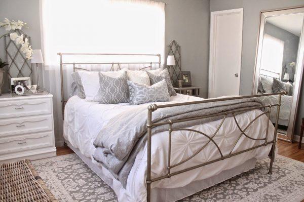 Cozy neutral master bedroom kellyelko.com