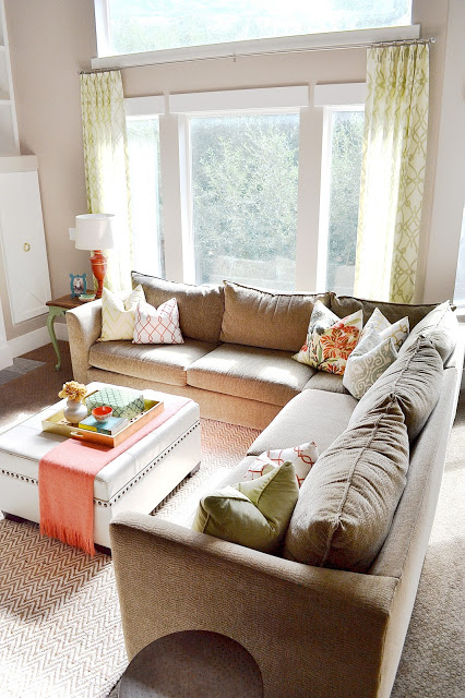 Beautiful and comfortable sectional sofa - love all the pillows kellyelko.com