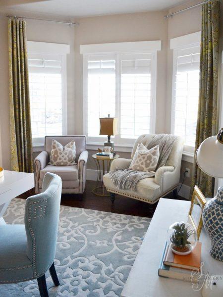 Sitting nook in a bay window kellyelko.com