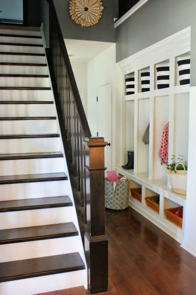 Built in mudroom cubbies - great organization kellyelko.com