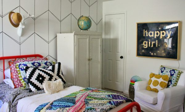 Fun girls bedroom - colorful and modern kellyelko.com