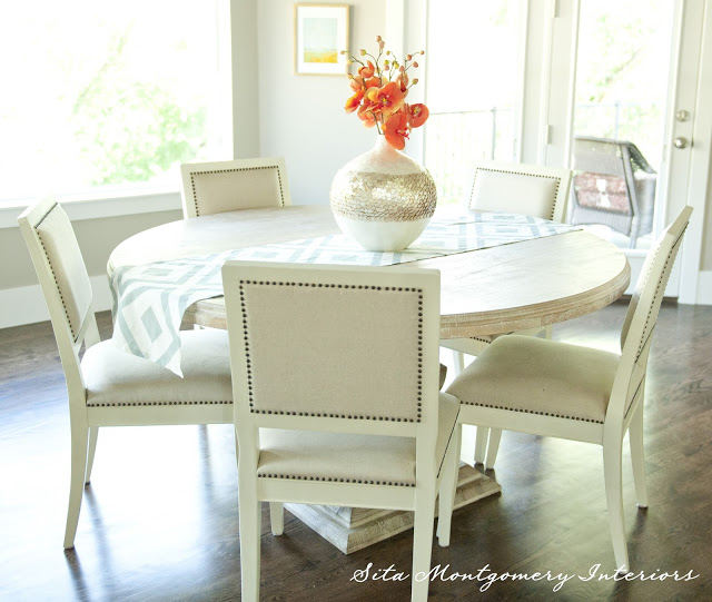 I love round dining tables - perfect for conversation kellyelko.com