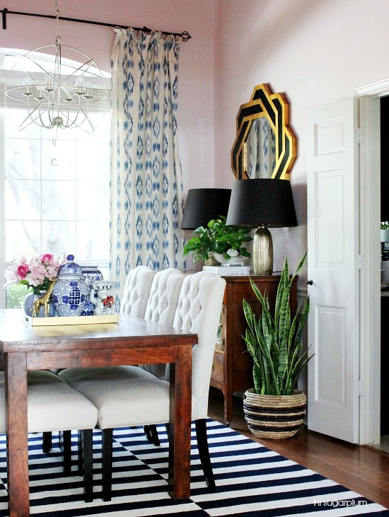 Eclectic Home Tour of Hi Sugarplum Blog - love this bold dining room with a fun red ceiling! kellyelko.com