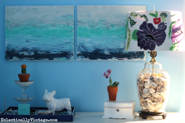 I LOVE this DIY abstract art that reminds me of the beach! It seems easy to make too kellyelko.com