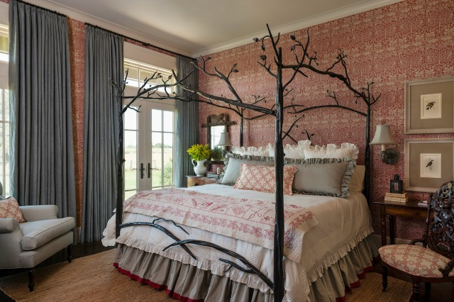 What a romantic four poster bed kellyelko.com
