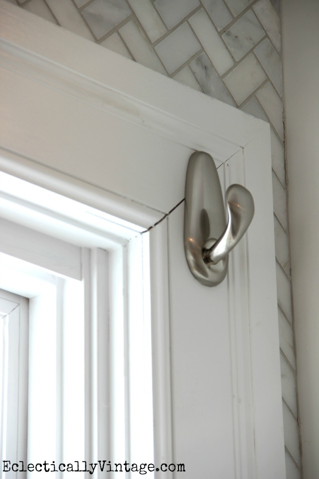 I love using Command hooks to hang window treatments!  This one is so cute kellyelko.com