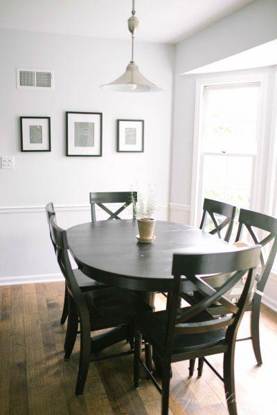 Breakfast nook - love the bay window kellyelko.com