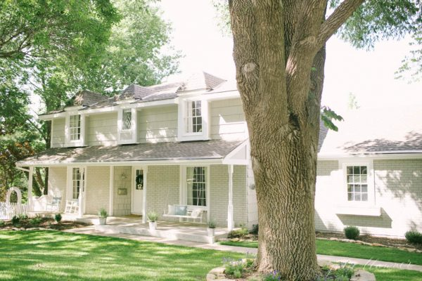 Colonial home tour - wait until you see the inside! kellyelko.com