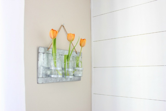 What a cute wall vase kellyelko.com