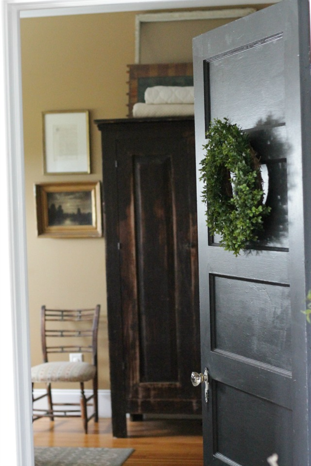 Black interior door adds drama to any home kellyelko.com