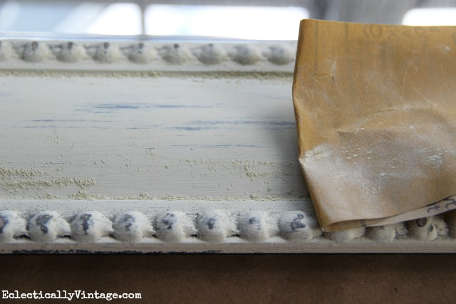How to distress furniture with vintage decor paint kellyelko.com
