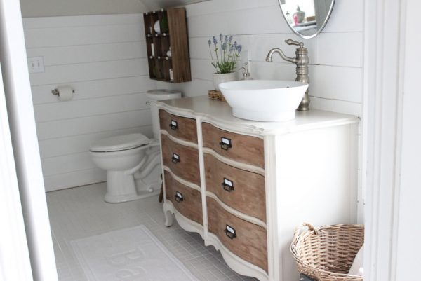 Turn a dresser into a bathroom vanity - love the two tone color kellyelko.com