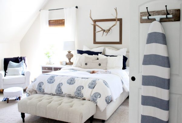 Love this country master bedroom and the blue paisley duvet kellyelko.com