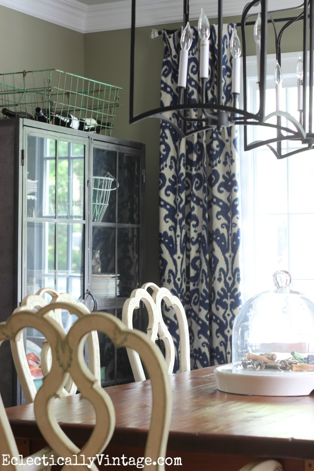 Love this eclectic dining room - a perfect mix of industrial, traditional, farmhouse and modern kellyelko.com