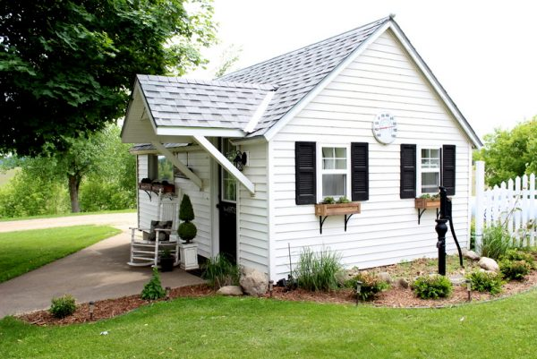 Garage turned guest house - you have to see the gorgeous inside kellyelko.com