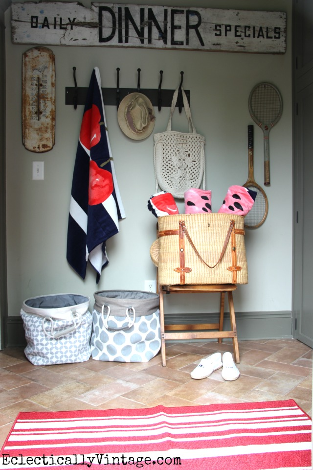 Small summer mudroom eclecticallyvintage.com