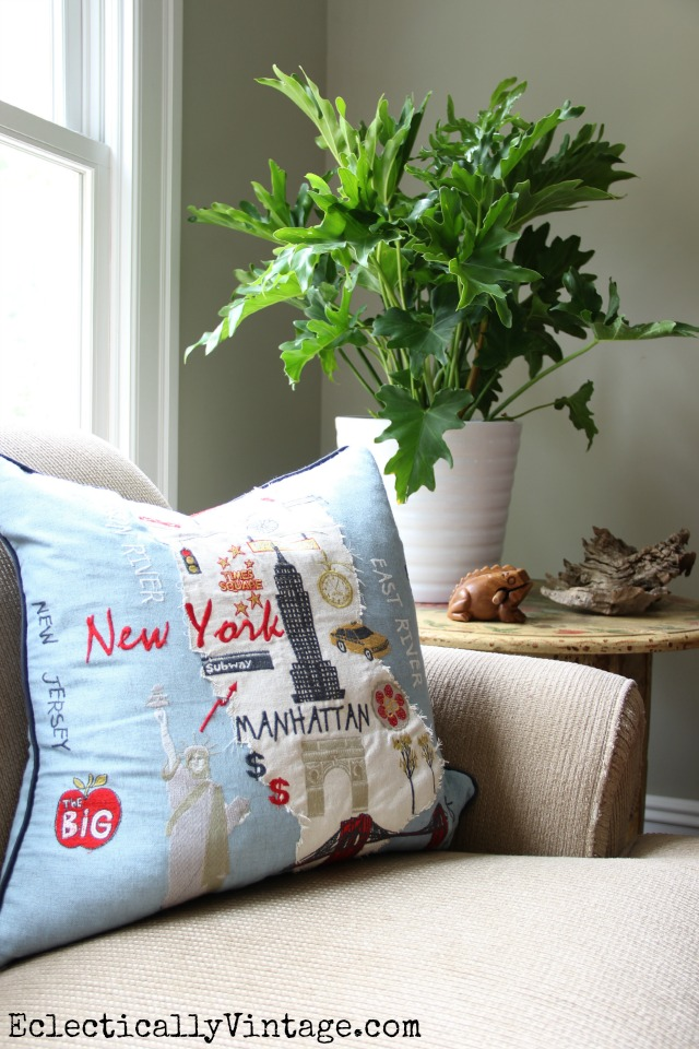 Love adding plants to my house - this split leaf philodendron is beautiful and love the New York pillow! kellyelko.com