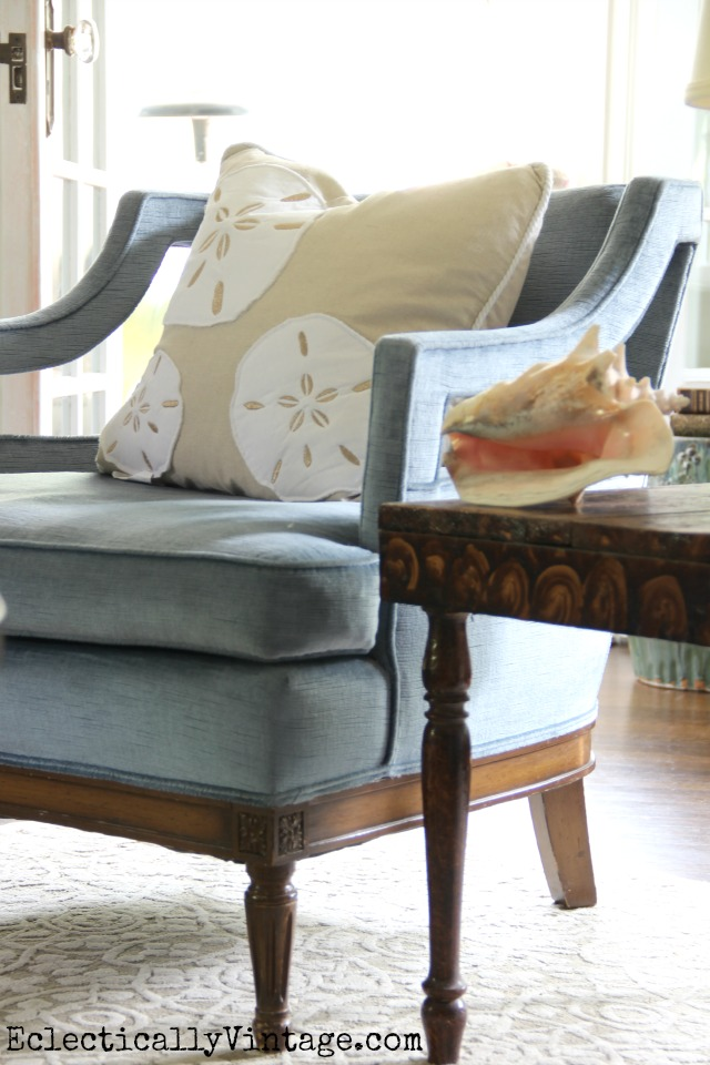 Summer sand dollar pillows brighten up these vintage blue chairs eclecticallyvintage.com