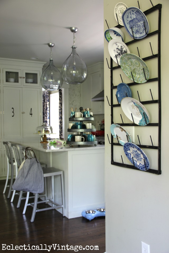 Love the wall rack used as a plate rack on the kitchen wall kellyelko.com