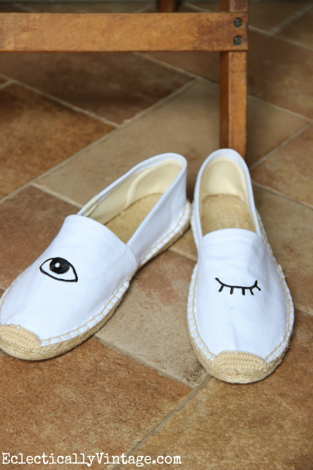 Love these winking eye shoes eclecticallyvintage.com