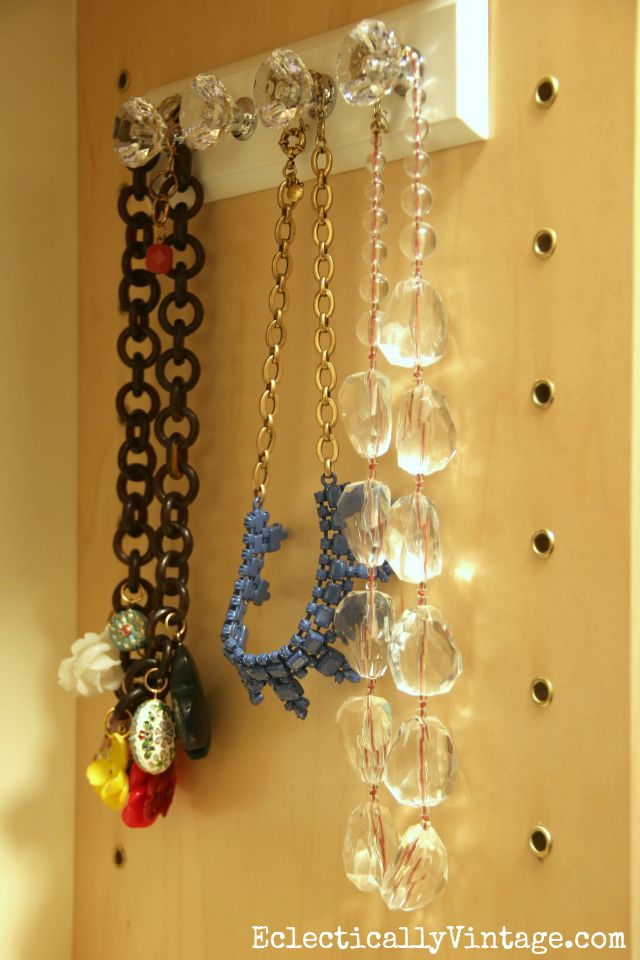 Love this jewelry hanger - perfect for hanging necklaces or scarves kellyelko.com