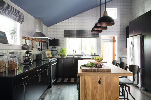 Cottage kitchen - love the subway tile to the ceiling kellyelko.com